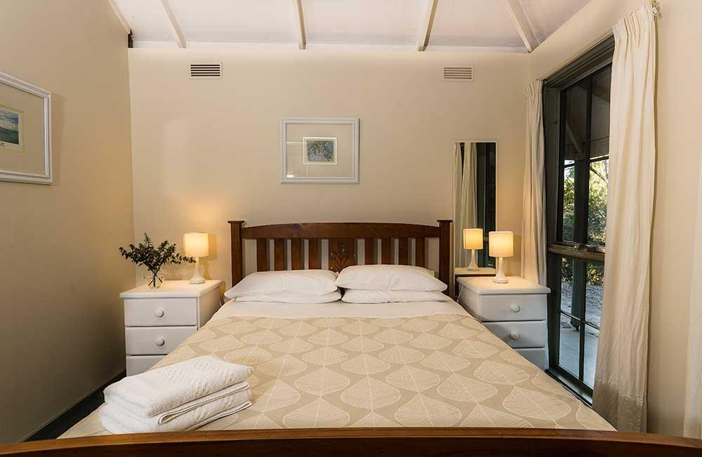 main-bed-cot-9